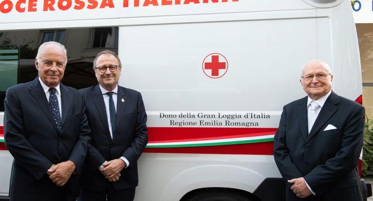 Ambulanza donata alla Croce Rossa Italiana